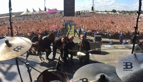 Drum Tech for Mallory Knox @ Reading and Leeds Festival 2017 (Main Stage) Taking the band photo!